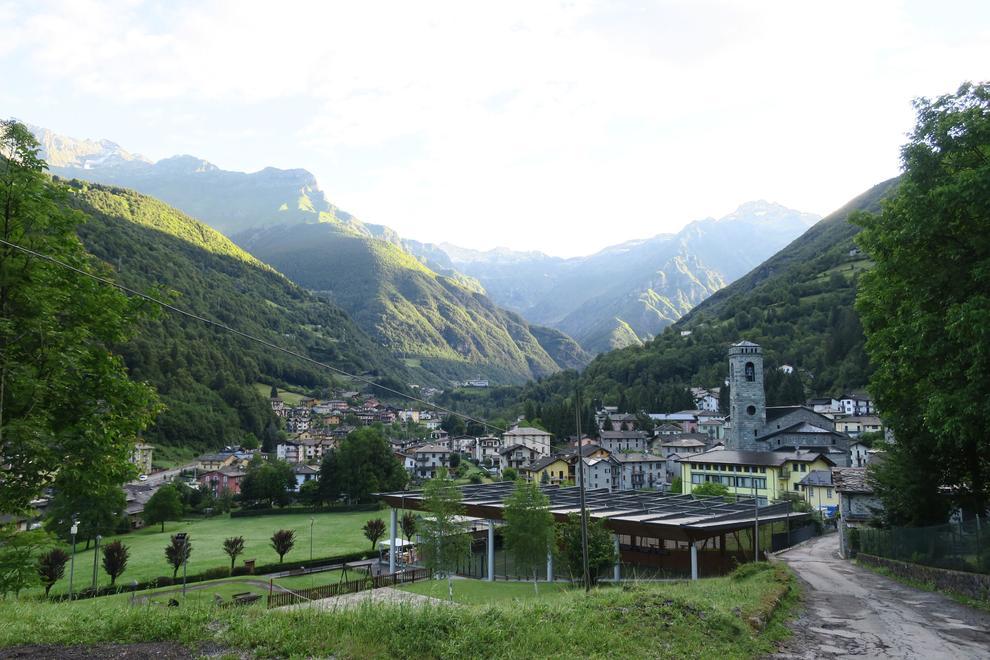 Gandellino è un comune italiano nella Valseriana, in provincia di Bergamo in Lombardia