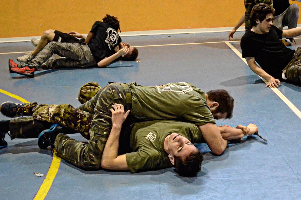 arm lock during a knife attack
