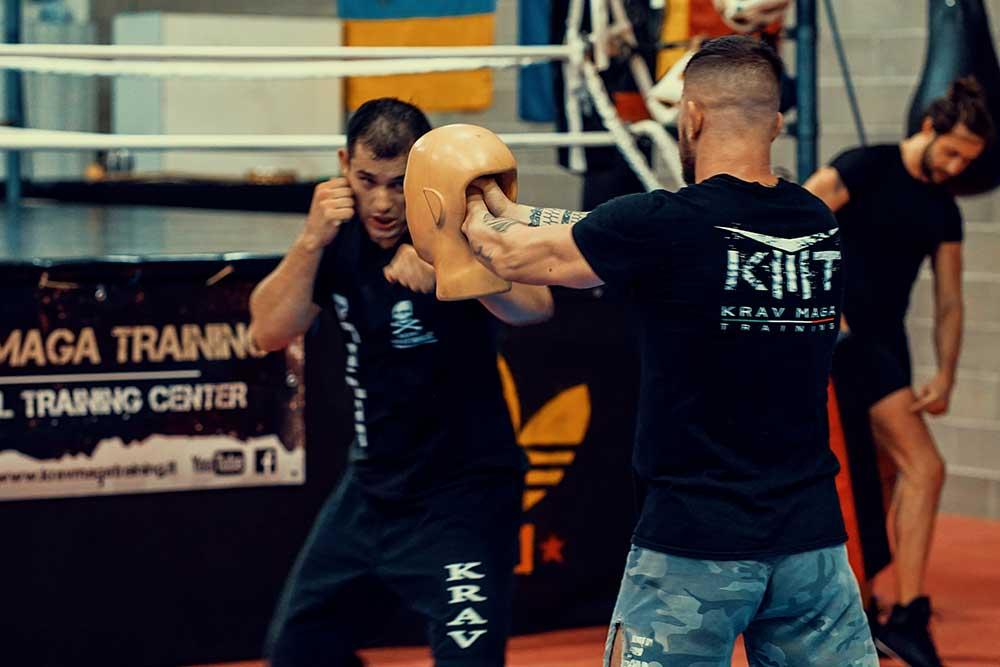 Striking bare knuckle with Wesley Gimenez from Krav Maga Caveira Brazil