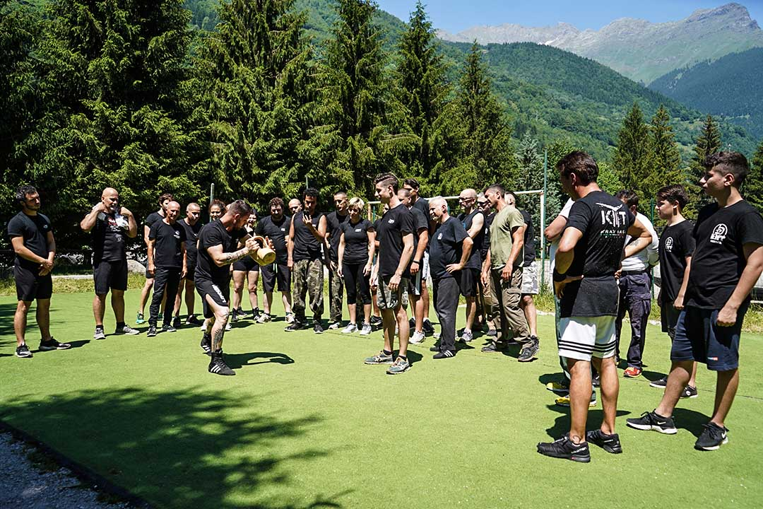Krav Maga Training Summer Camp explanations - tecniche
