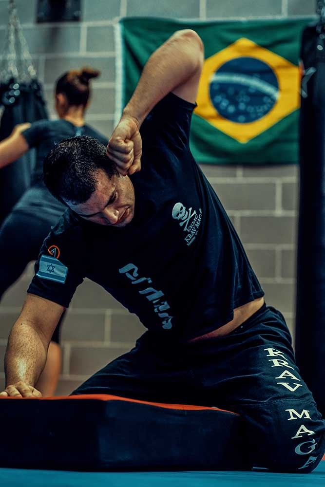 Ground workout with Wesley Gimenez from Krav Maga Caveira Brazil