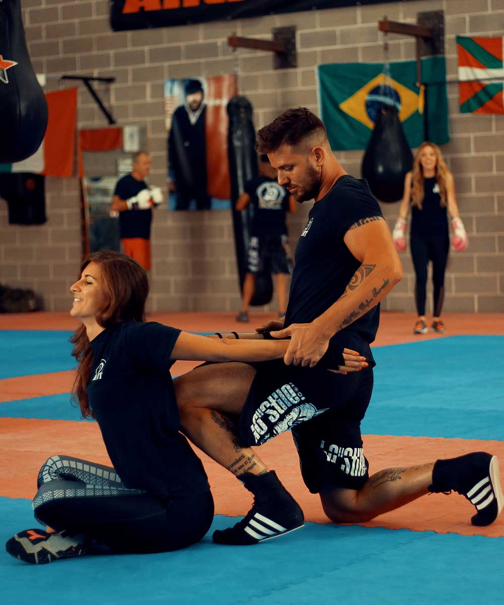 Krav Maga Training stretching after the workout | FOTO | PHOTOS