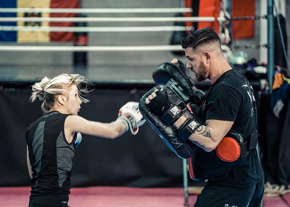 Girl fighting and striking program with Luca Goffi